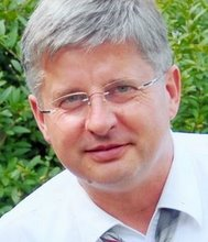 Dr. Frank Valentin