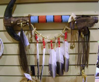 Bild 6: ...oder beim Kauf von Indianerkitsch im Touristenladen des Custer State Park